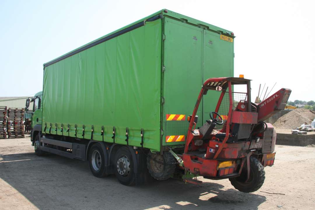 Lorry with forklift